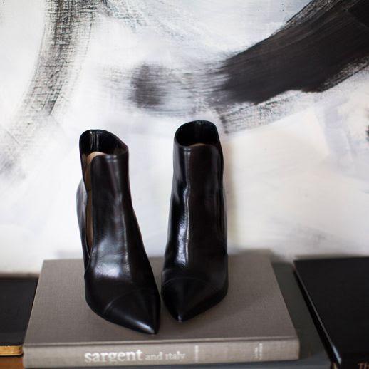 LE FASHION BLOG EMERSON FRY SALE BLACK CUT OUT ANKLE HEELED BOOTS CLEAN CLASSIC LOOKBOOK HOME DECOR CYBER MONDAY SALE 4 photo LEFASHIONBLOGEMERSONFRYSALEBLACKBOOTS4.jpg