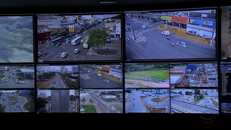Central de Monitoramento ajuda a reduzir infrações no trânsito (Foto: TVCA/Reprodução)