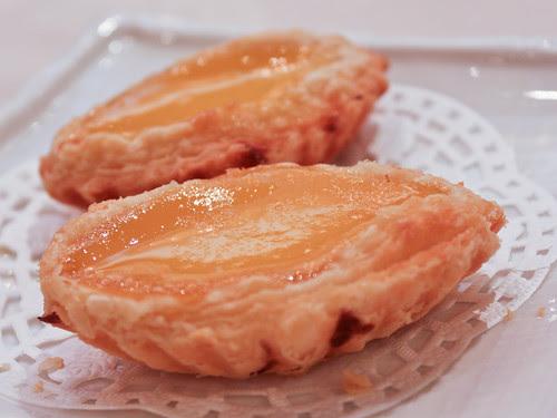 Egg tarts (新樂 Shamrock Seafood Restaurant)