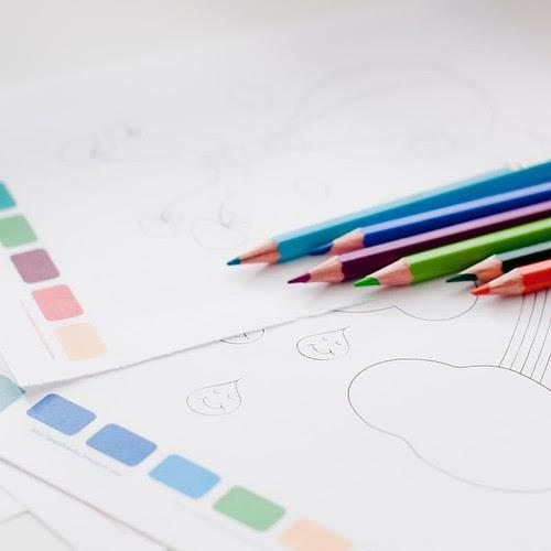 dibujos para colorear nina y lapices-2