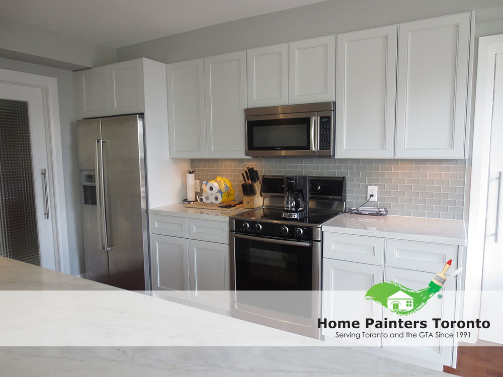 Home Painters Toronto » How To Re-Paint Your Kitchen Cabinets