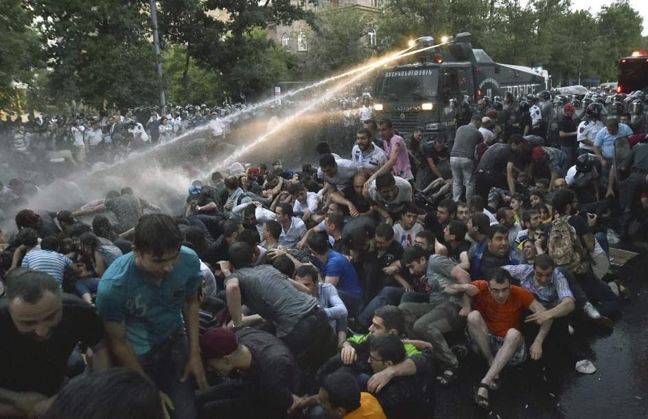 Protesta por el precio de la electricidad en Armenia