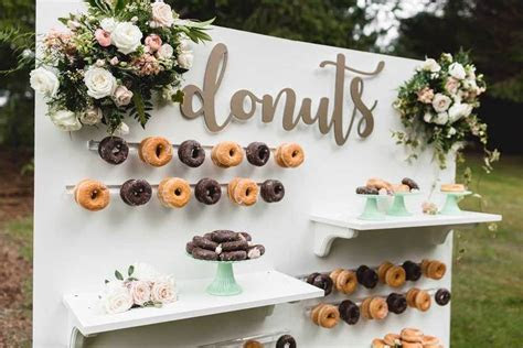 Donut Wall ? A Sweet Treat Wedding Day Trend ? Party Mood