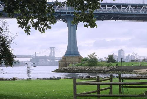 Manhattan Bridge Pier