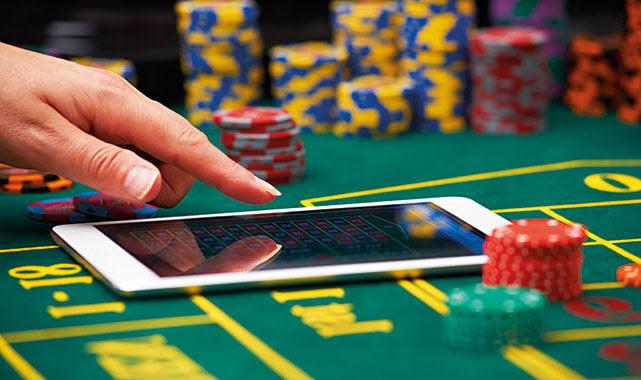 Для того, чтобы полностью посвятить себя игре в казино Азарт Плей, не отвлекаясь на проверку безопасности игорного заведения, предлагаем стать клиентом онлайн казино Азарт Плей.