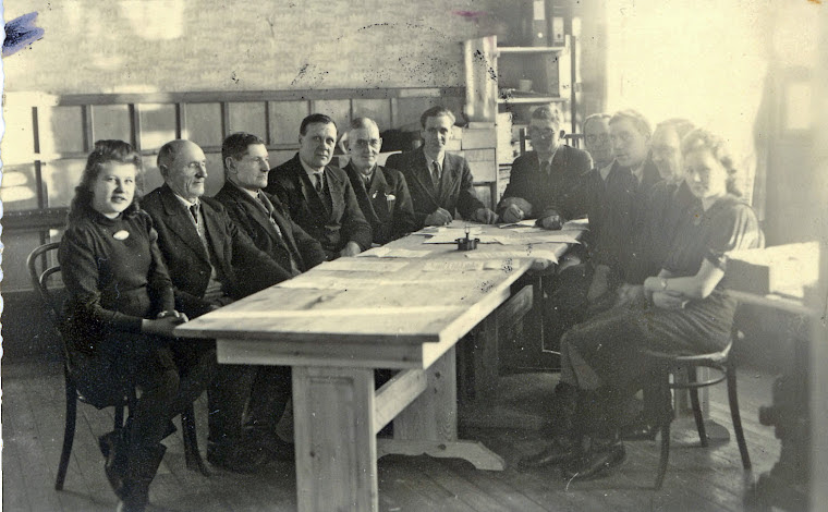 Alatornion kunnanhallitus koolla 1940- tai 1950-luvulla