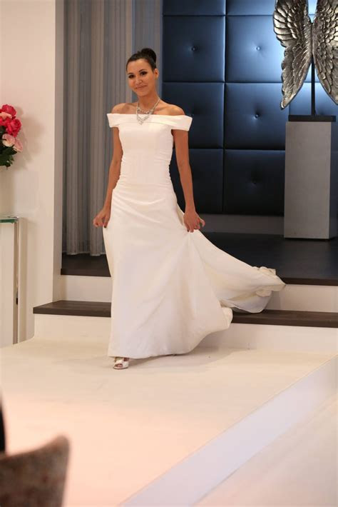 """FOX Gives a Special Look at Glee's Big """"Brittana"""" Wedding"""