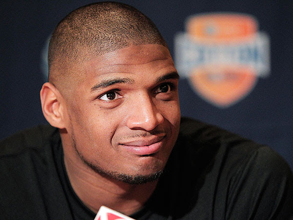 Michael Sam, College Football Star and NFL Prospect, Comes Out as Gay