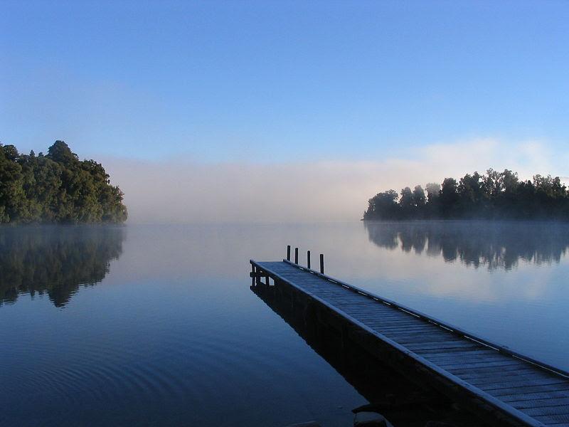 Perbedaan Utama - Sungai vs Danau