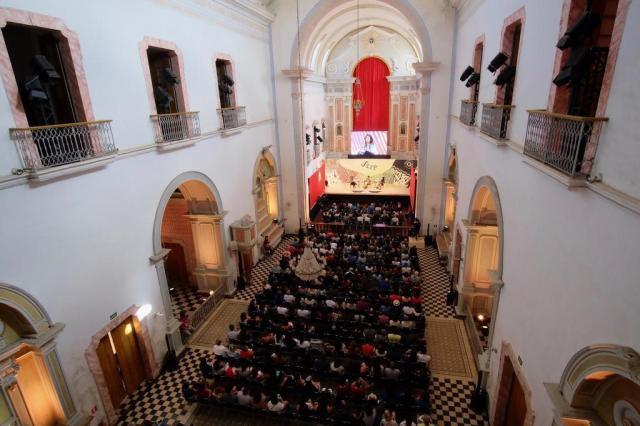 Na 15ª Festa Literária de Paraty, o sagrado e o profano subiram ao altar Walter Craveiro/Divulgação
