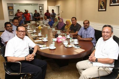 Umno, PPBM berpencak silat di Johor?