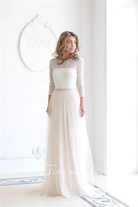 Scoop Neck Long Sleeve Tulle Wedding Dress With Lace