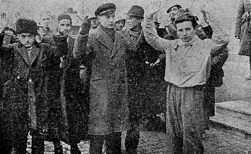 File:Grupuri de pogromişti, dintre cei care au bătut, chinuit şi ucis suflete evreeşti.jpg