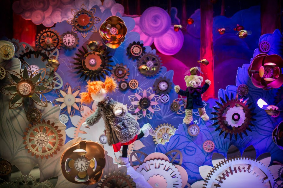 best-window-displays_galeries-lafayette_2013_christmas_10