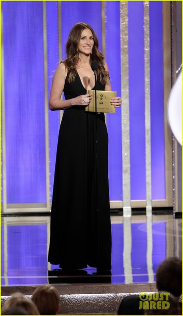 julia-roberts-catherine-zeta-jones-golden-globes-2013-01