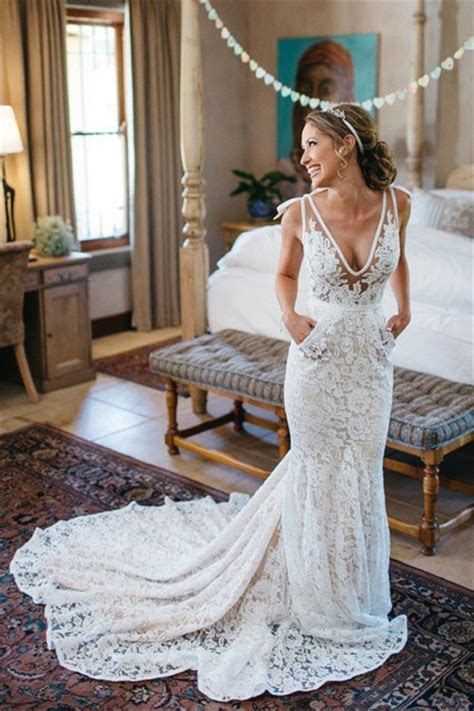 V Neck Sleeveless Mermaid Backless Lace Wedding Dress