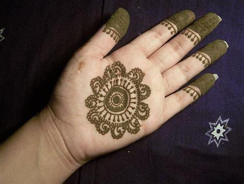 Wedding Fashion: Bridal Hinna Designs pictures