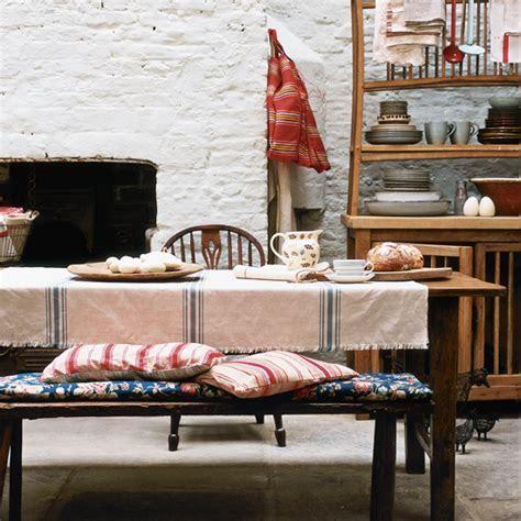 7 fabulous farmhouse style kitchens