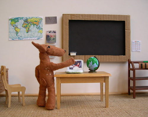Pudú in the classroom by Lizette Greco, on Flickr