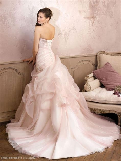 Romantic Blush Pink Ball gown Wedding Dress With Beading