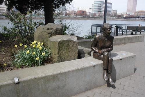 Vera Katz statue, Eastbank Esplanade