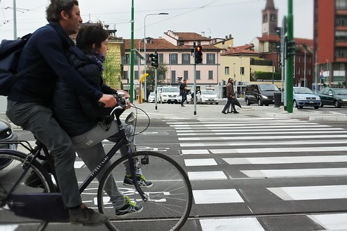 "Sulla #bicicletta in due, ""come una volta"" by Ylbert Durishti"