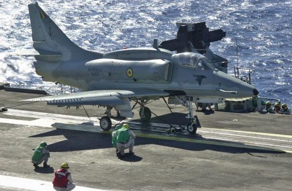 AF-1 Skyhawk - Armada de Brasil