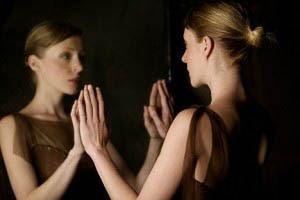 Στη ναρκισσιστική επιλογή αντικειμένου αγαπάει κανείς αυτό που είναι ο ίδιος.