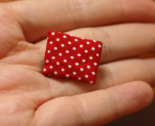 How to make a button pouch with two pockets 25