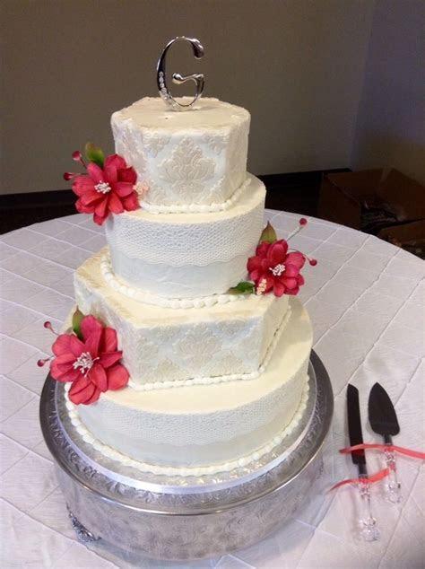 Classic Lace & Damask Wedding Cake: used Sugarveil