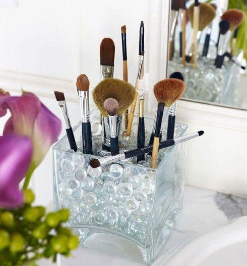 DIY: Cool Make-up Brush Storage Ideas