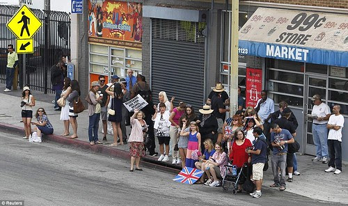 Royal snail  Kate races ahead with her painting at Inner-City Arts  campus whilst William is slow off the mark  12