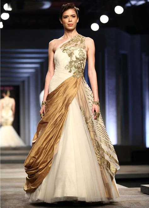 wedding gown dress indian fashion week Wow, Love the