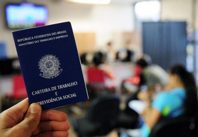 A suspensão do contrato deve ser registrada na carteira de trabalho | Foto: Divulgação - Foto: Divulgação