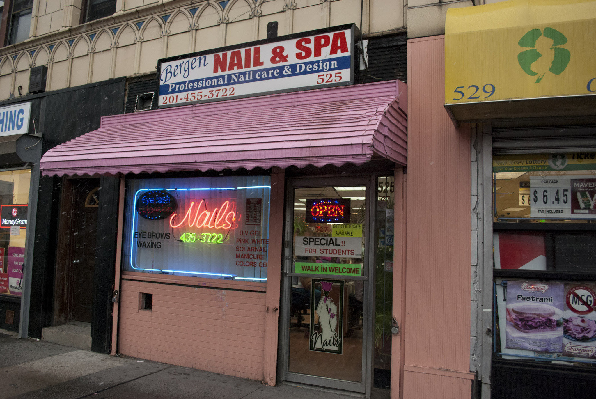 Nail Salon Owners Brutally Attacked Robbed Of 2700 On Christmas