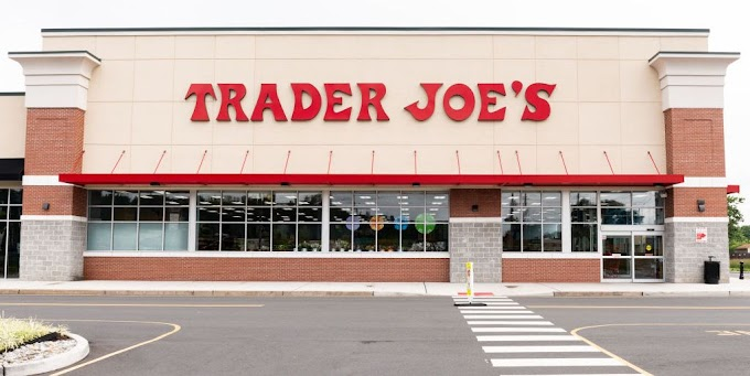 24 Trader Joe's Products Nutritionists Never Add To Their Carts