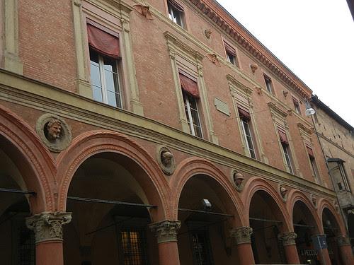 DSCN5017 _ near Piazza Santo Stefano, Bologna