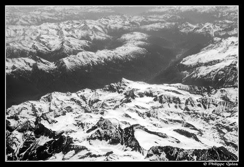 Italie - France - Alpes - au loin la vallée