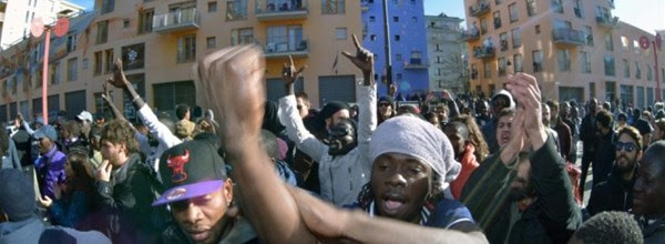 Lo Stato condanna i sindaci che non accolgono i clandestini per