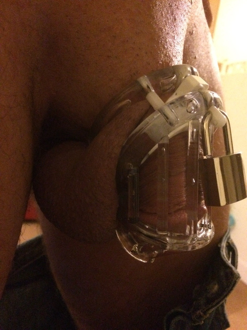 missh-and-buttondick:  Locked up & sent to work on Monday wearing this one but had to remove it due to his balls swelling up!!