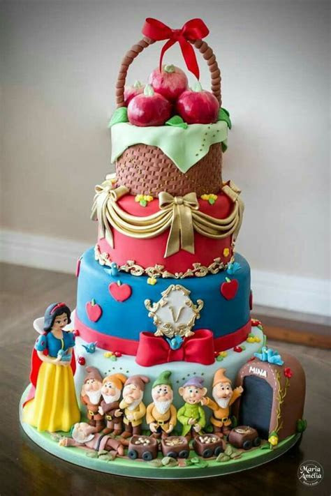 78 Best images about Disney Cakes on Pinterest