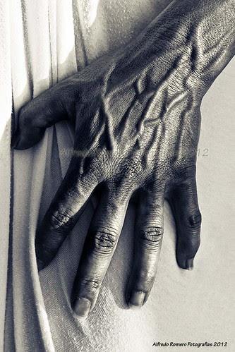 Enseñame tus manos by Alfredo Romero Fotografias 