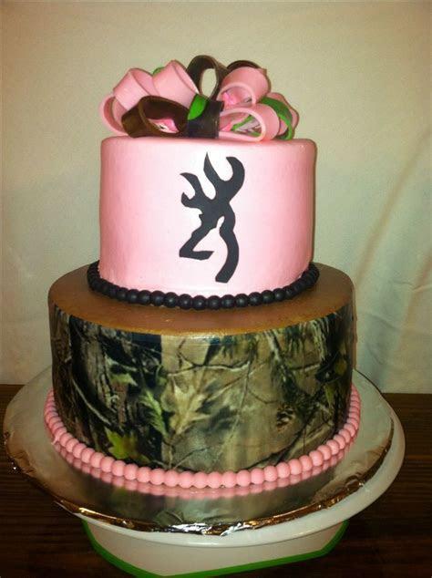 Pink & Camo cake   Cakes by Nita ( Mimi )   Pinterest