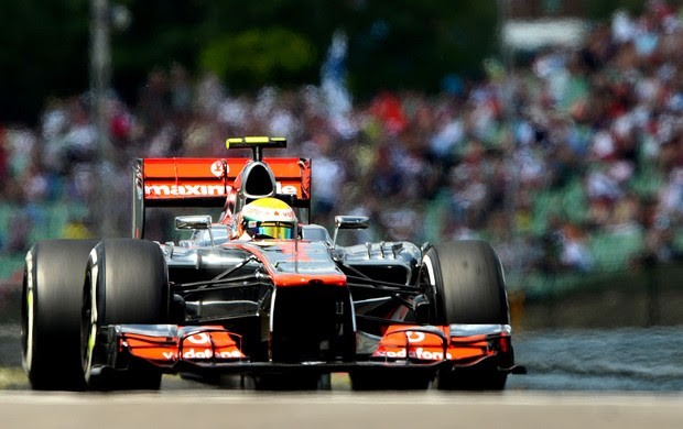 Hamilton no treino classificatório do GP da Hungria (Foto: AFP)