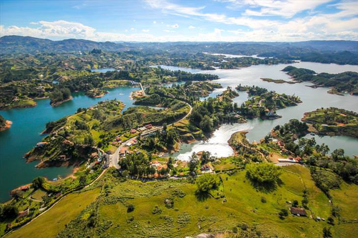 A cida mais colorida do mundo: Guatapé, na Colômbia