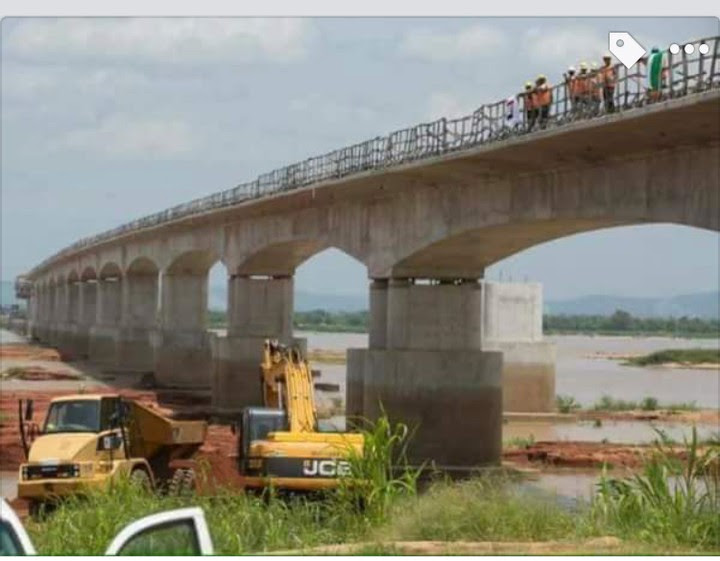 Fashola Inspects Oweto Bridge As It Nears Completion (Pictures)