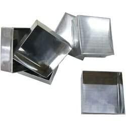 Forma Pão de Mel Quadrada Pequena 2 x 3 cm (alumínio) 12 Unidades