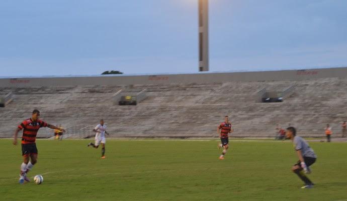Rodrigão, atacante do Campinense (Foto: Larissa Keren / GloboEsporte.com/pb)