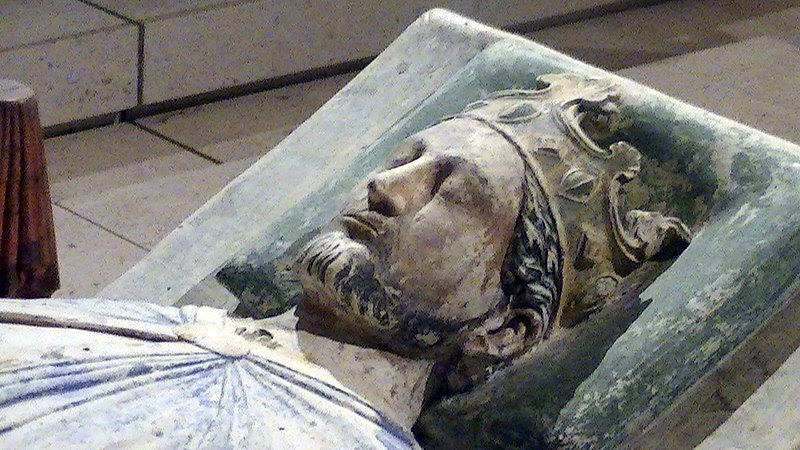 File:Church of Fontevraud Abbey Richard I effigy.jpg