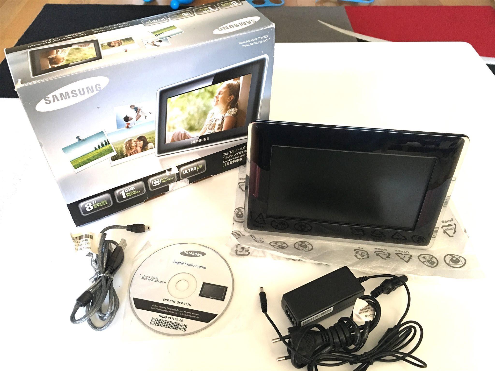 Samsung Spf 87h 8 Inch Lcd 1gb Ultra Slim Digit 333701714 ᐈ Köp